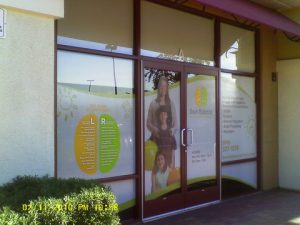 storefront-window-advertising-for-franchises-boosts-sales1