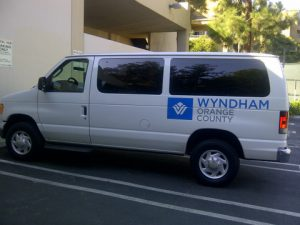 new-shuttle-bus-wraps-for-the-avenue-of-the-arts-wyndham-hotel2