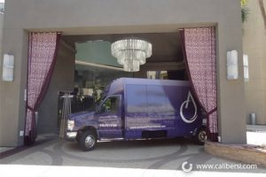 new-shuttle-bus-wraps-for-the-avenue-of-the-arts-wyndham-hotel3