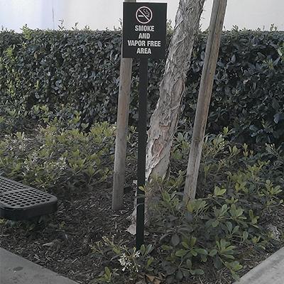 SmokeVaporFree Sign WEB