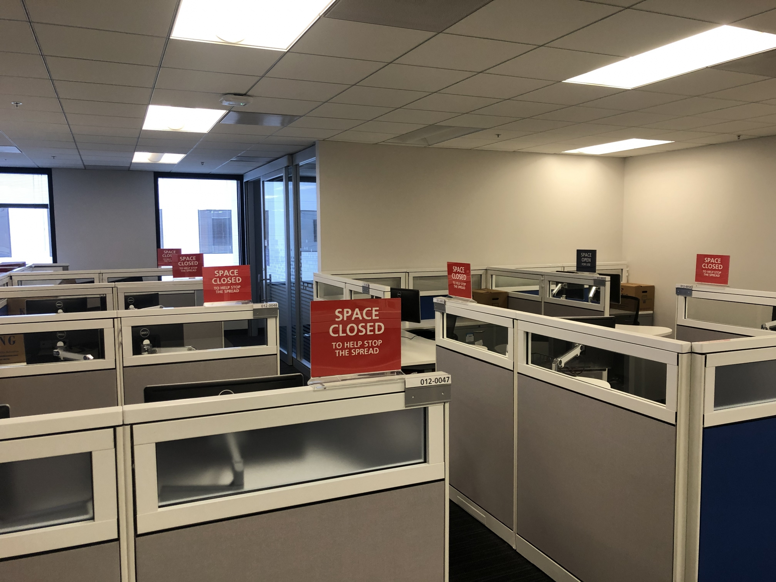 Social Distancing Signs for Cubicles Open or Closed in Orange County CA
