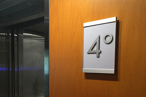 Vista Systems Square Room Signs